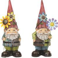 Alpine Corporation - Gnomes Holding Flower Garden Statue - 17 Inch