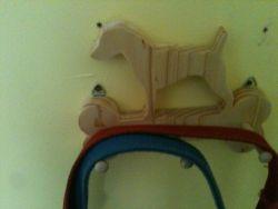 Fine Crafts - Wooden Pointer Leash Holder