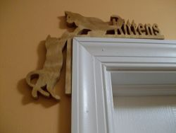 Fine Crafts - Corner Kittens Wooden Door Topper