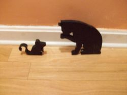 Fine Crafts - Wooden Cat And Mouse Pieces