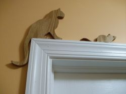 Fine Crafts - Wooden Cat And Mouse Door Topper
