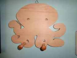 Fine Crafts - Wooden Octopus Pegged Wall Hanging