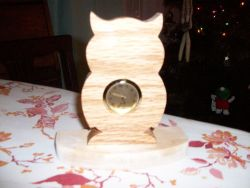 Fine Crafts - Owl Mini Wooden Desk Clock