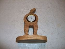 Fine Crafts - Dog'S Behind Wooden Mini Desk Clock