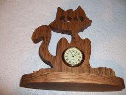 Fine Crafts - Wooden Cat Shaped Mini Desk Clock