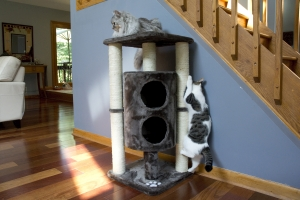 Iconic Pet - Sisal Scratching Furniture/Tree with dual cave and multiple posts - Taupe